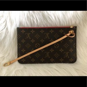 Louis Vuitton Neverfull Wristlet Clutch